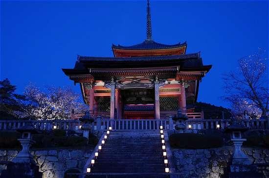 清水寺西門ライトアップ