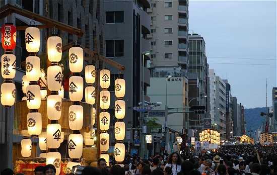 祇園祭 四条通の山鉾 宵山
