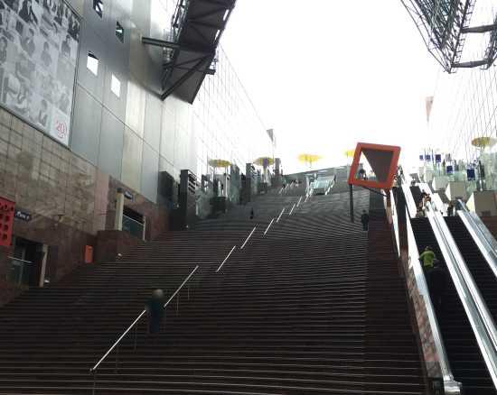 京都cube 大階段